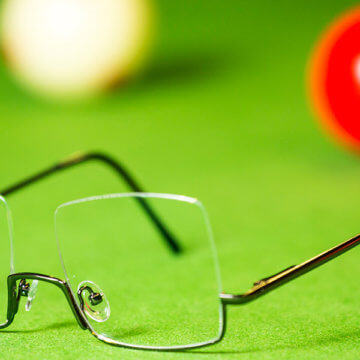 Snookerbrillen.de – Modell Online auf dem Tisch
